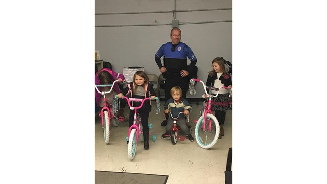 Charleston, WV officer uses own money to buy bikes for kids