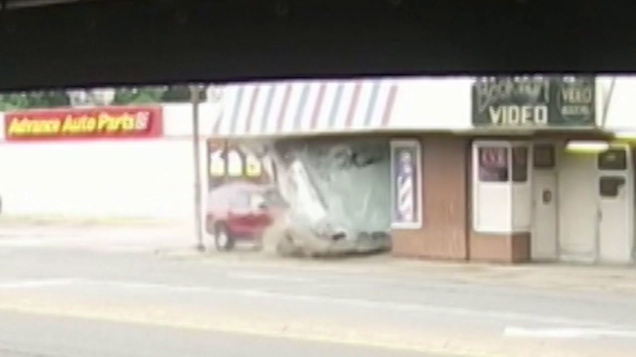 SURVEILLANCE VIDEO: Car Crashes into Building in Kanawha City